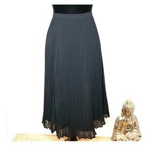 Black midi length pleated side zip pencil skirt